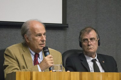 "Luiz Bevilacqua and John Heath on the debate ""The future of the universities"" - April 24, 2015"
